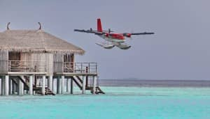 Sea plane landing at Constance Moofushi