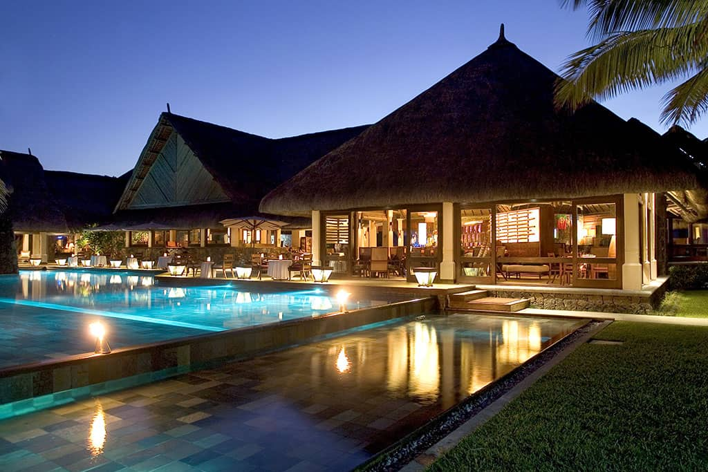 Constance Belle Mare Plage, pool and bar