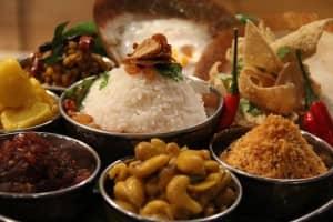 Sri Lankan green pea and cashew curry