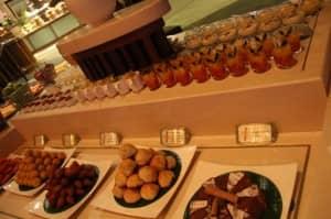 Desserts at Jahaz restaurant, Constance Halaveli Resort