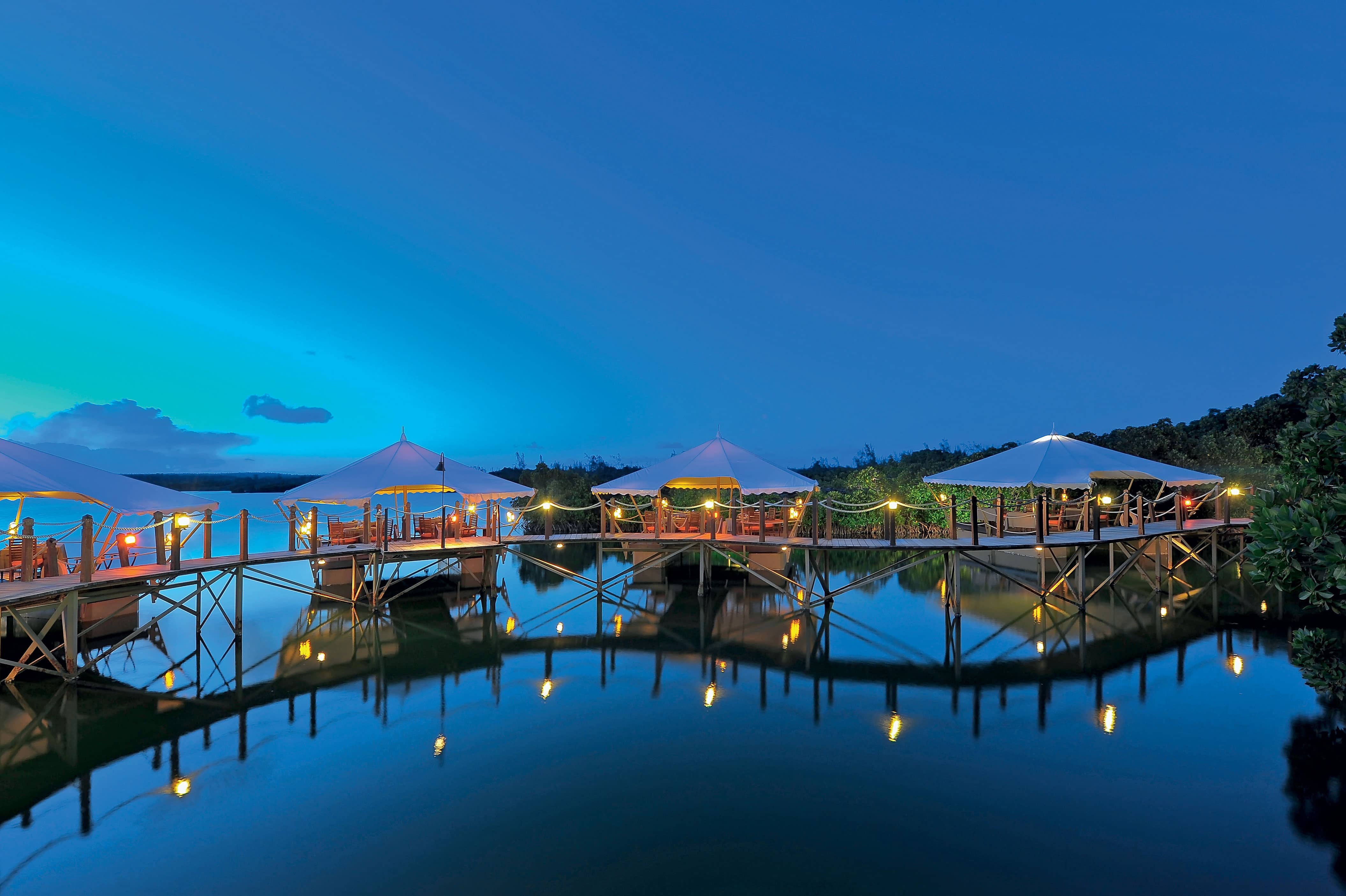 Top 8 reasons to go to mauritius constance hotels and resorts - First restaurant port louis ...