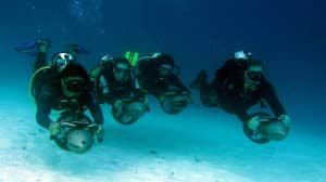 Diving scooter course at Constance Moofushi, Maldives