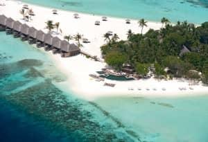 Constance Moofushi, Maldives