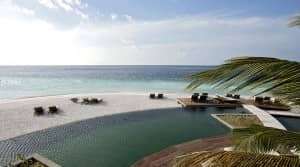 Swim in the pool at Constance Moofushi