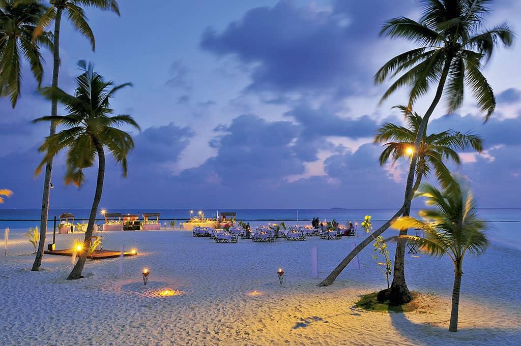 Meeru Beach Buffet, Constance Halaveli