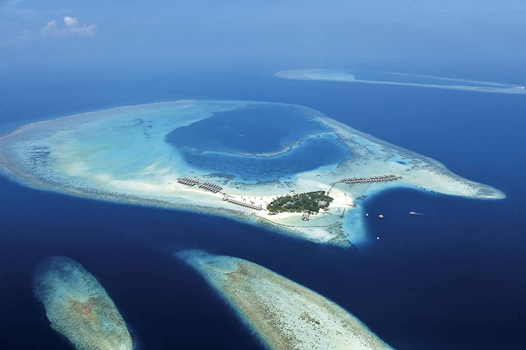 Top 5 Reasons To Honeymoon In Maldives: Top 5 Reasons To Visit The Maldives Right Now