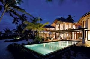 Luxury holidays at Constance Halaveli