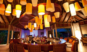 Enjoy a Christmas at Constance - Cocktail lessons at the Zee Bar