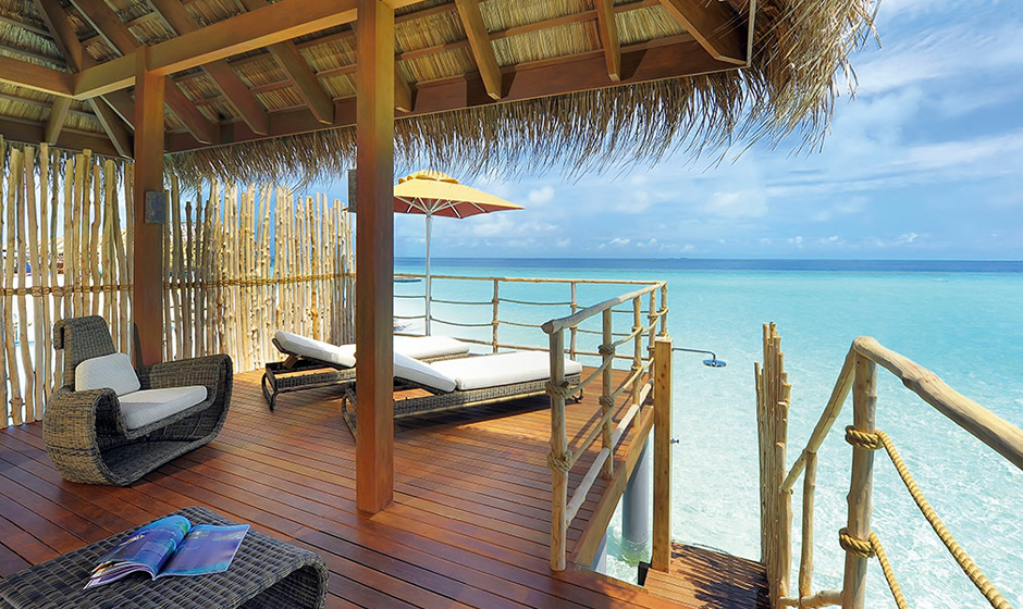 The sea is just a few steps away when you stay in the Senior Water Villa