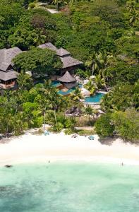 Global Adventuress visits Constance Lémuria, Seychelles