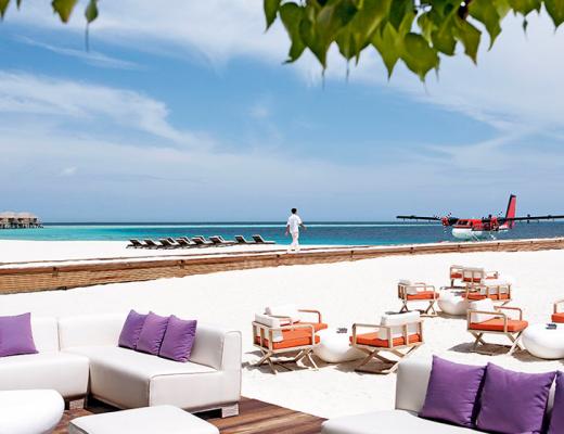 Manta Bar, Constance Moofushi, Maldives