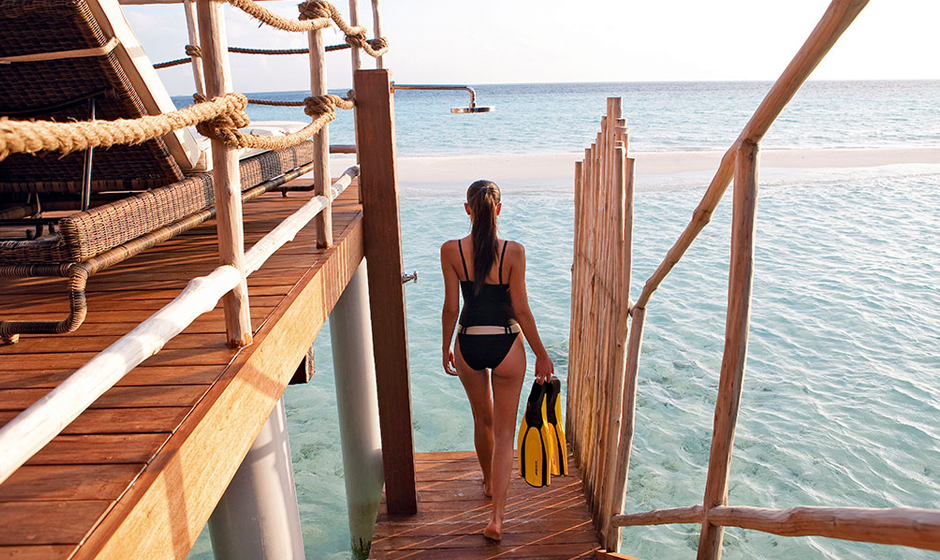 The lagoon is just a few steps away...