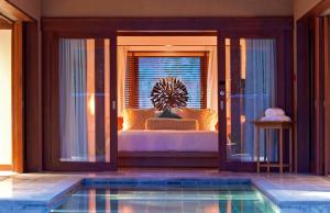Enjoy a relaxing night at Constance Ephélia's spa villa