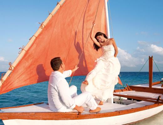 Weddings at Constance Moofushi, Maldives