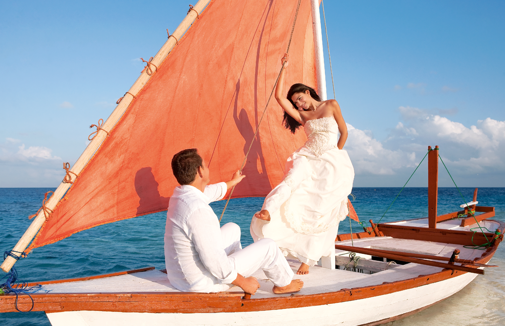 Weddings at Constance Moofushi, Maldives