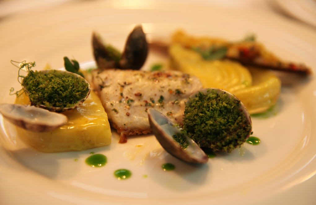 Cook sister visits bernard loiseau festival culinaire for Cuisine bernard