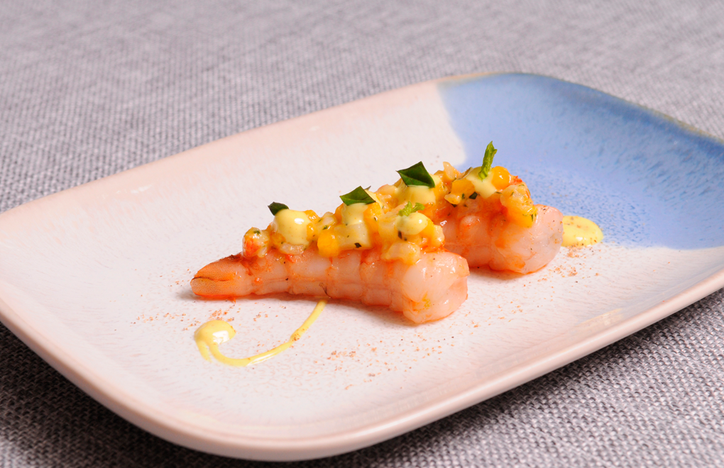 Team D's Canapé: OSO Warm gambas with potato salad, mango & basil, curry mayonnaise, cardamome and lime gastric
