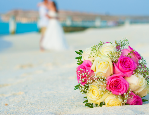 Beach wedding at Constance Moofushi