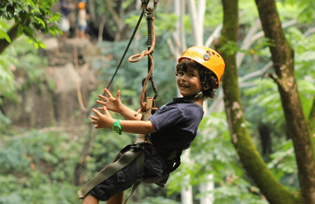 Children ziplining