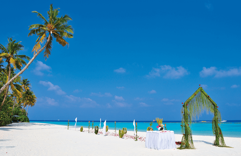 The Morning of your wedding halaveli maldives wedding
