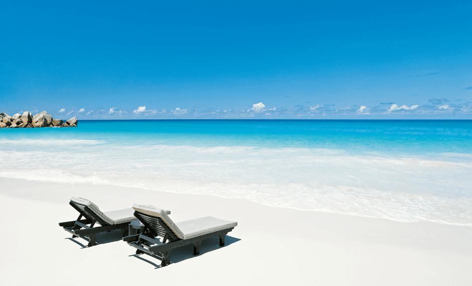 Constance Lémuria beach