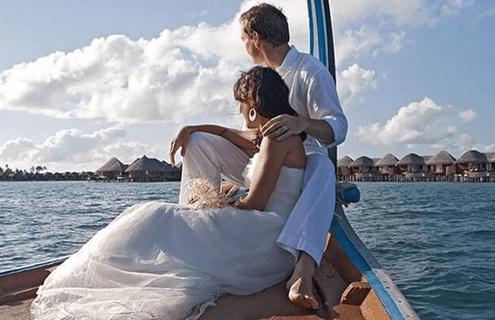 wedding instagram boat