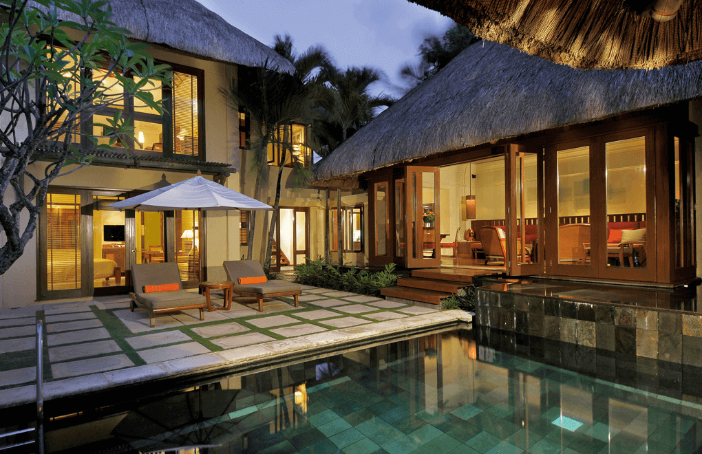 luxury villas - Beach villa at Belle Mare Plage Mauritius