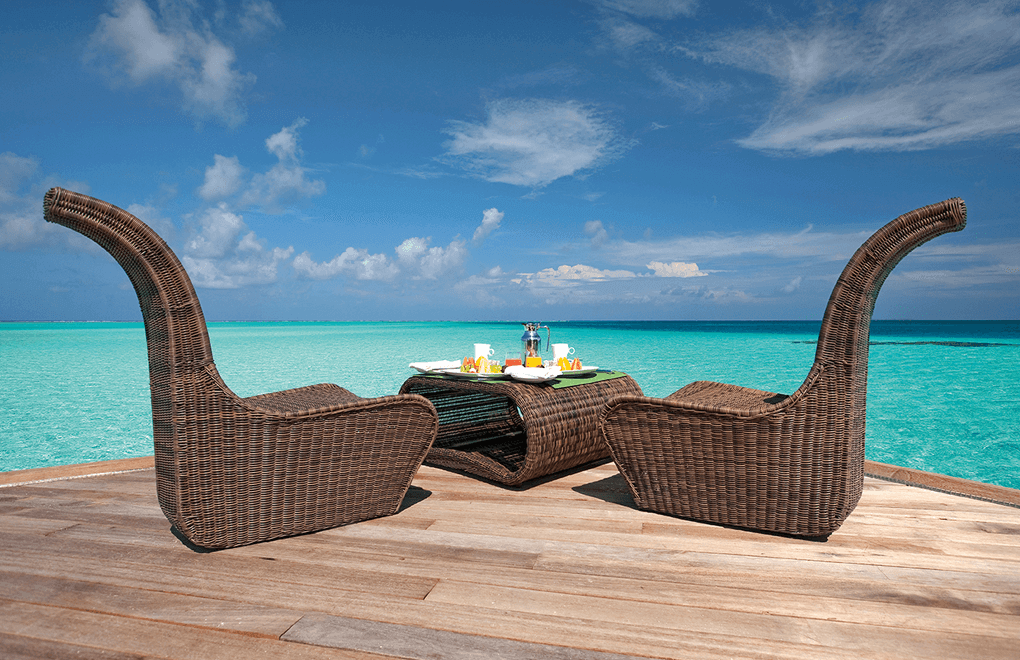 Breakfast on the deck at Constance Moofushi Maldives