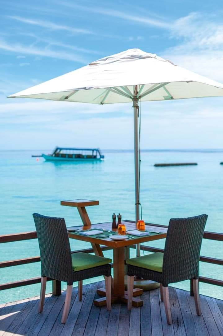 Constance Moofushi Maldives Manta Restaurant