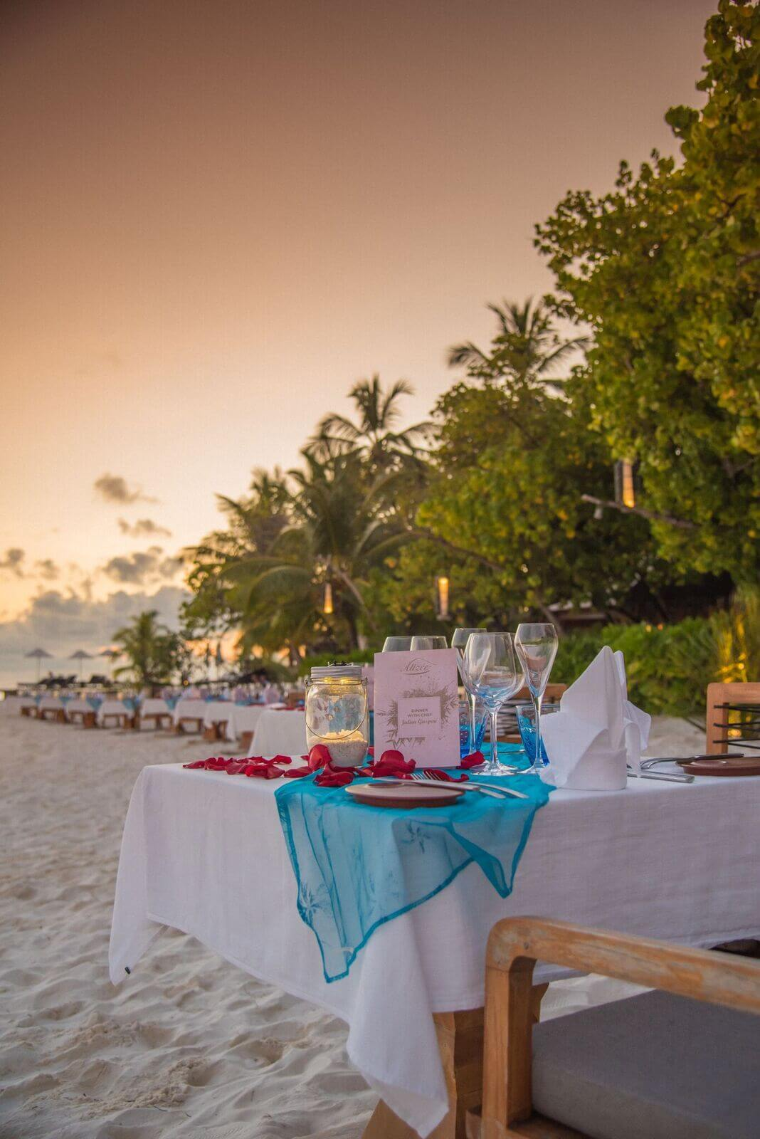 Dinner on the beach Constance Moofushi