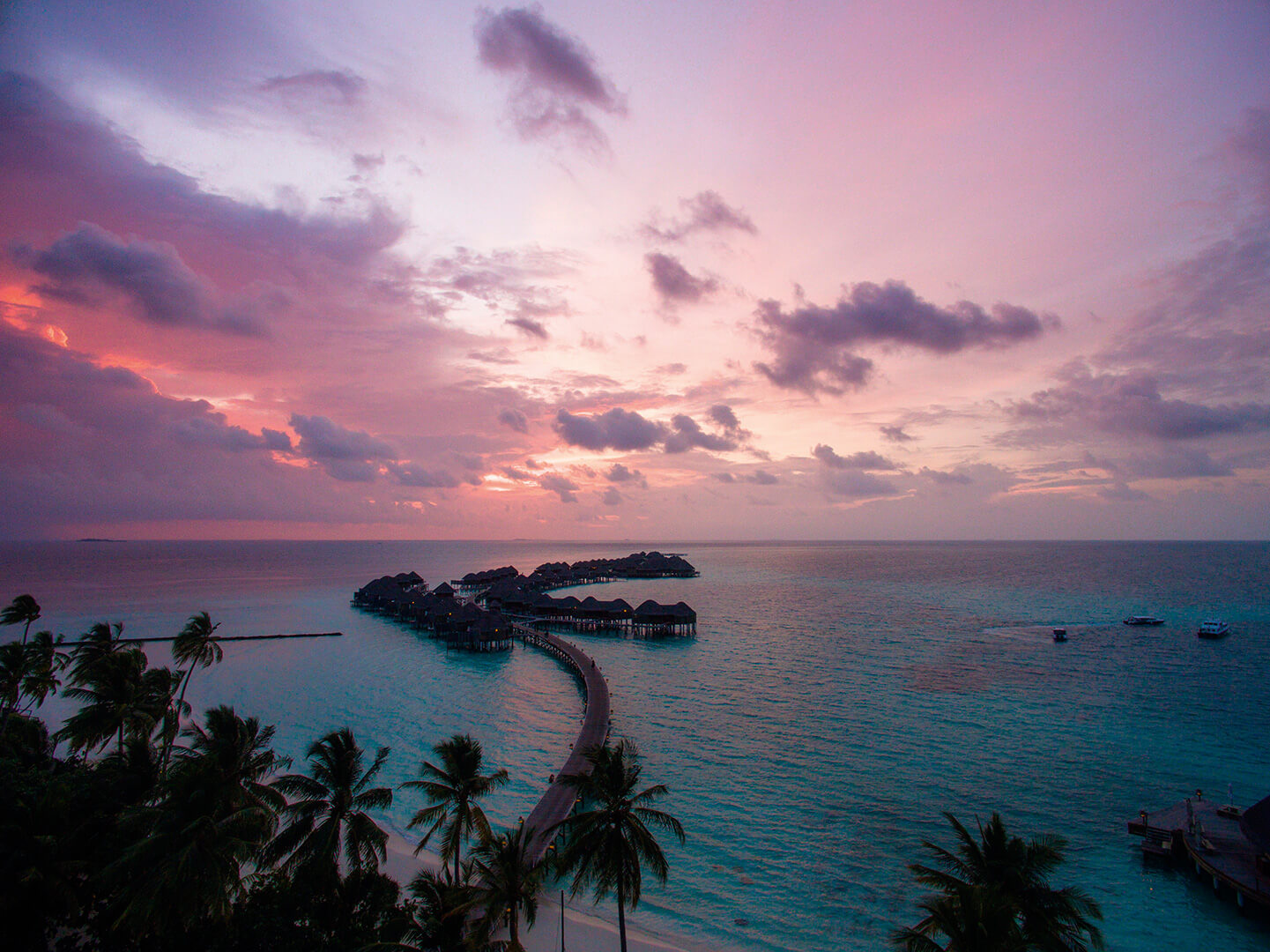 pink sunset halaveli maldives