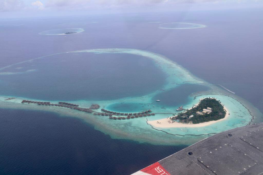 sea plane constance halaveli maldives