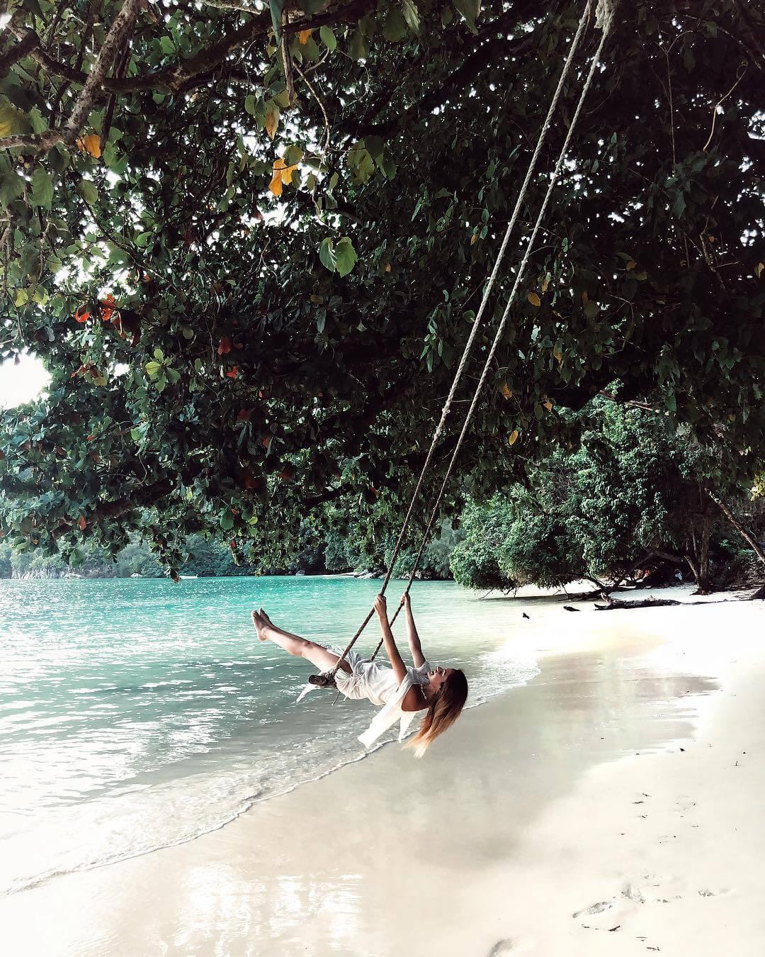 giulia gaudino swing seychelles