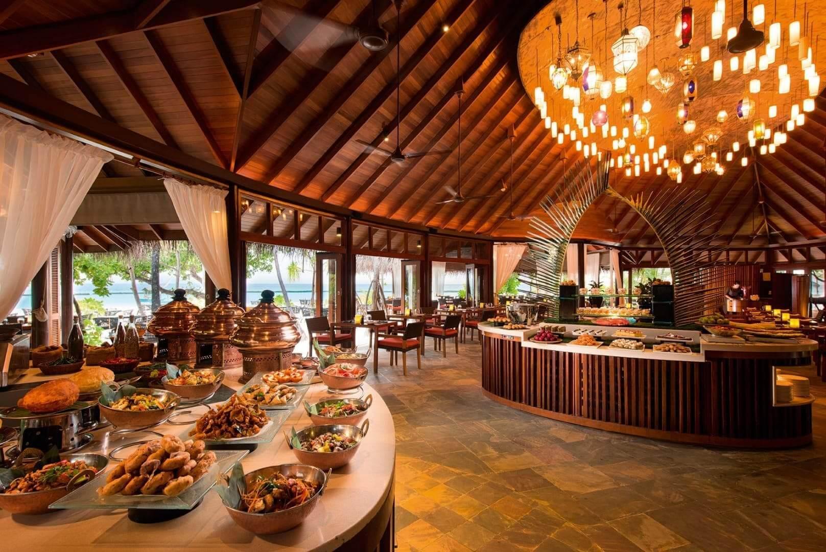halaveli-maldives-2016-jahaz-buffet-02