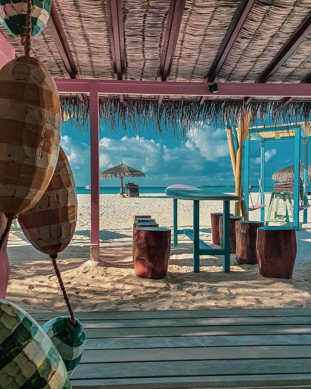 Constance Moofushi Maldives - totem bar